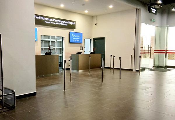 Kaunter Perkhidmatan Penyimpanan Bagasi di Terminal Bas Awana