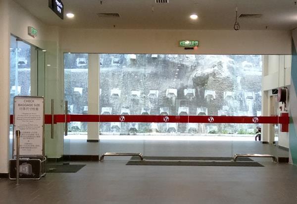 Tempat Menunggu Teksi di Terminal Bas Awana