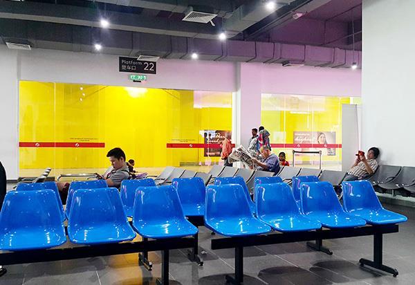 Tempat Penumpang Menunggu di Terminal Bas Awana