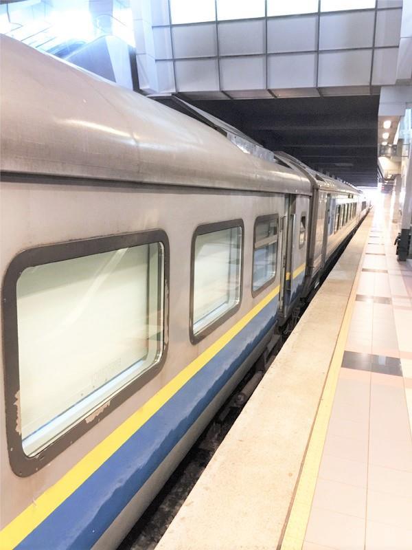 Tren Shuttle Tebrau Dari Johor Bahru ke Singapura